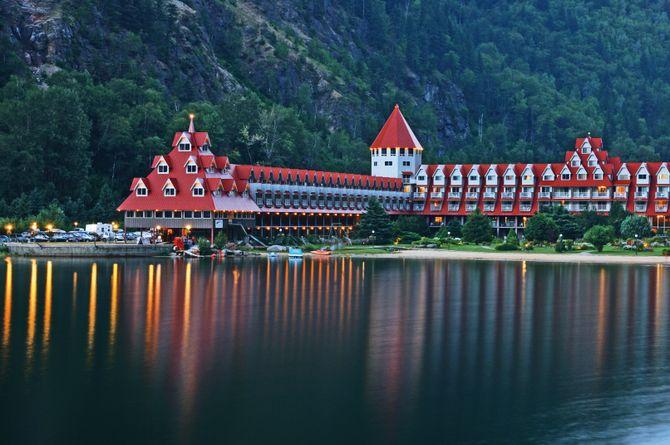Three Valley Lake Chateau, Revelstoke
