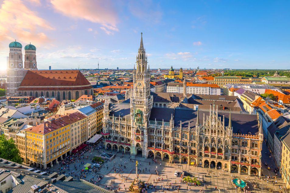 Vue du nouvel hôtel de ville sur la Marienplatz