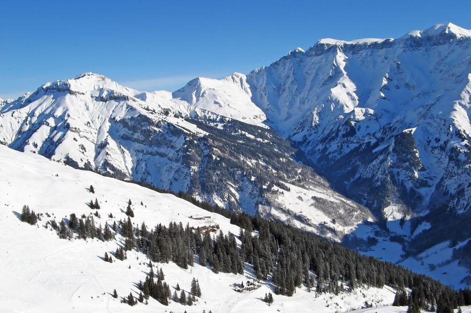 Winterliche Berglandschaft in Elm