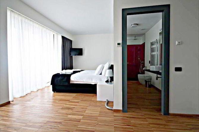 Hotel Sarroglia, Bucarest