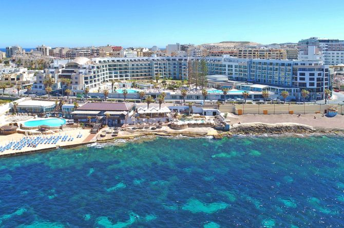 Dolmen Hotel, Malta