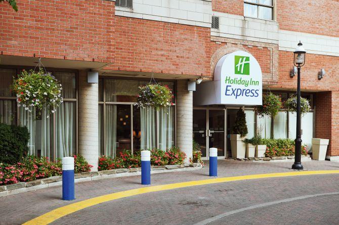 Holiday Inn Express Midtown, Toronto