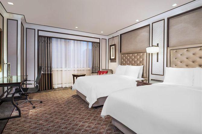 Plaza Athenee Bangkok, A Royal Meridien Hotel, Bangkok