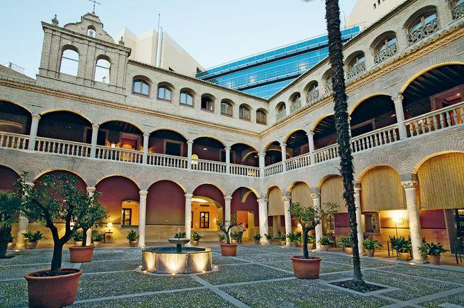 AC Palacio de Santa Paula, Andalousie