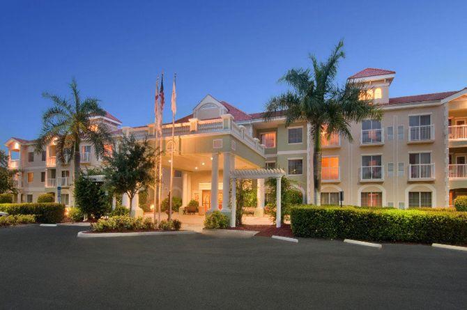 Doubletree Suites By Hilton Naples, Naples Beach