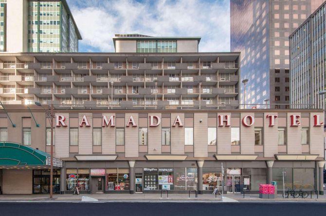 Ramada Plaza by Wyndham Calgary Downtown, Calgary