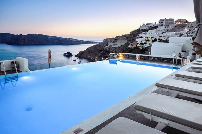 La Perla Villas, Santorini