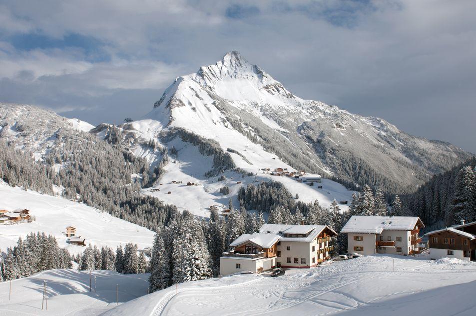 Blick auf den Berg Biberkopf im Winter