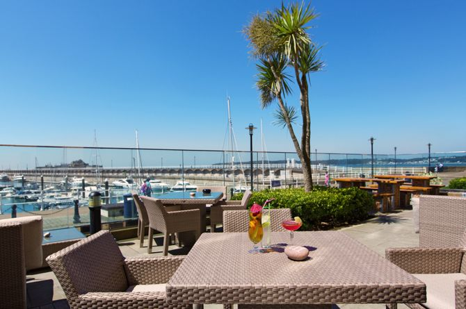 Radisson Blu Waterfront, Jersey
