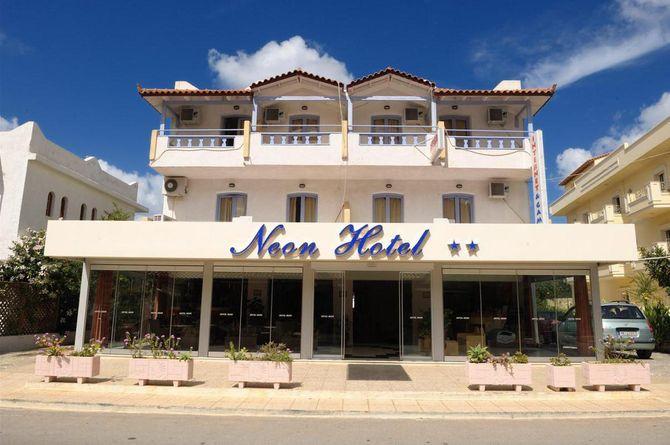 Neon Hotel, Crète