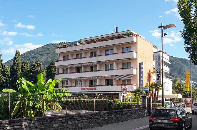 Hôtel Polo, Lac Majeur (côté suisse)