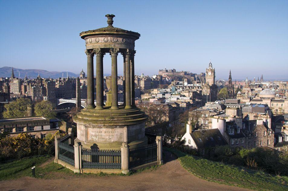 Ross Fountain und Edinburgh Castle