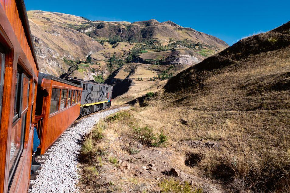 Chemin de fer qui relie «la Nariz del Diablo»