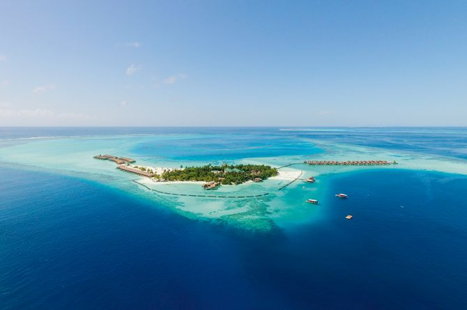 Constance Moofushi, Malediven