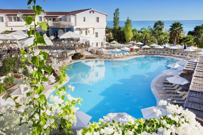 Louis Althea Beach, Chypre