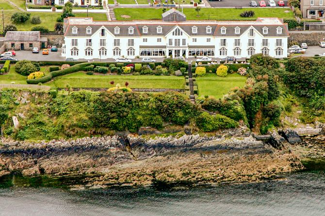 The Bayview Hotel at Ballycotton, Cork et environs