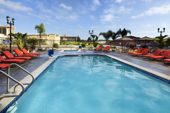 Doubletree Suites by Hilton Hotel Anaheim Resort, Los Angeles